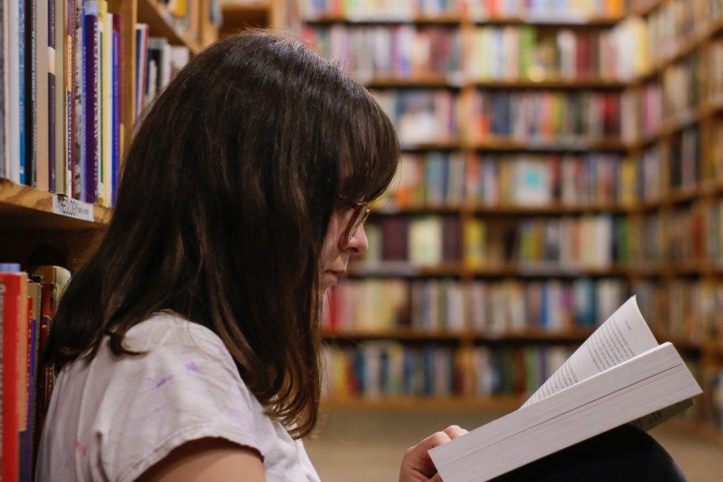 Demo foto biblioteca eliott-reyna-foto demo. unsplash